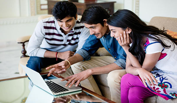 What Are the Benefits of Getting a College Education Online?